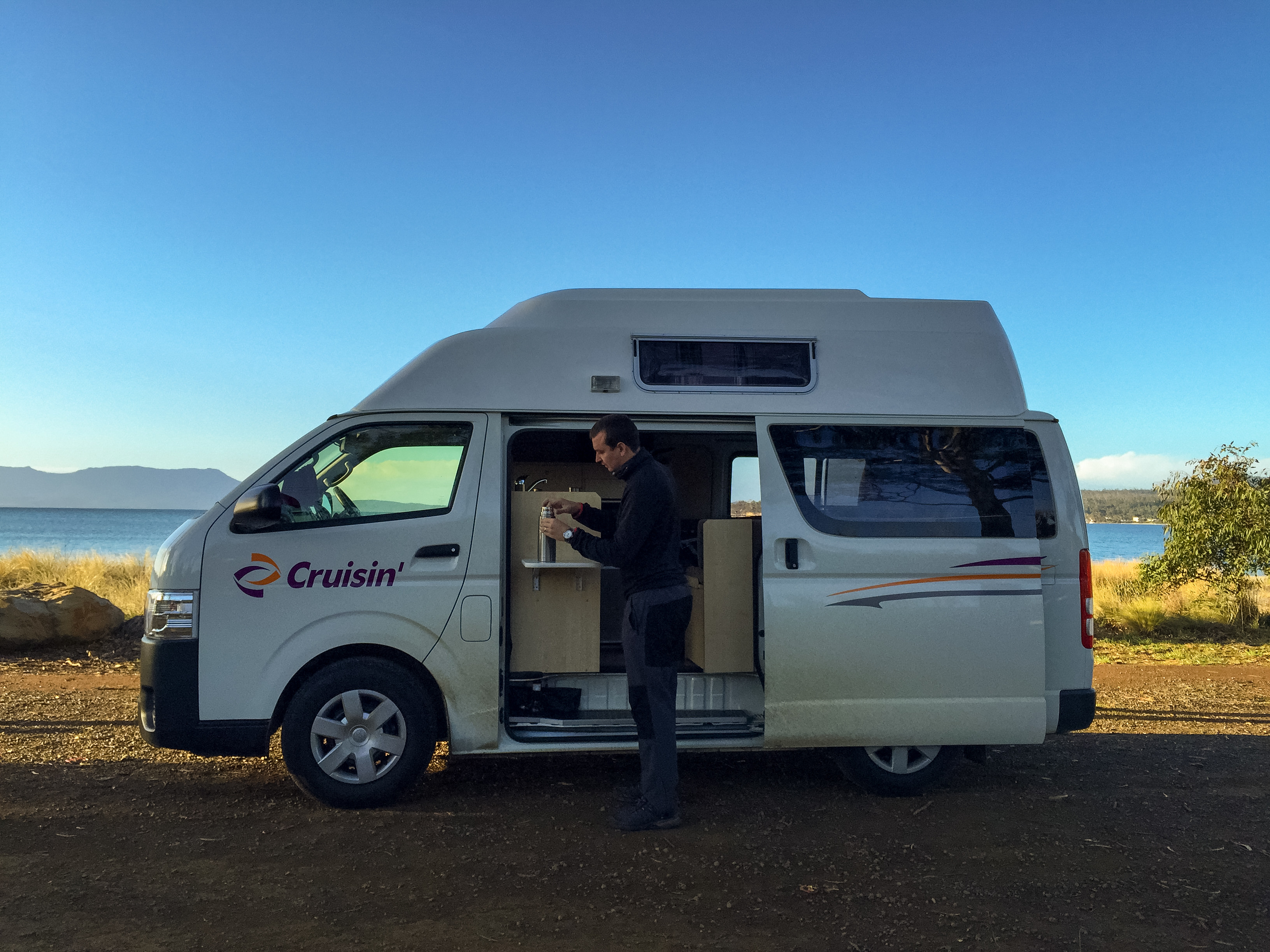 8 Signs You'll Love Travelling By Camper - Cruisin Motorhome Rentals Australia