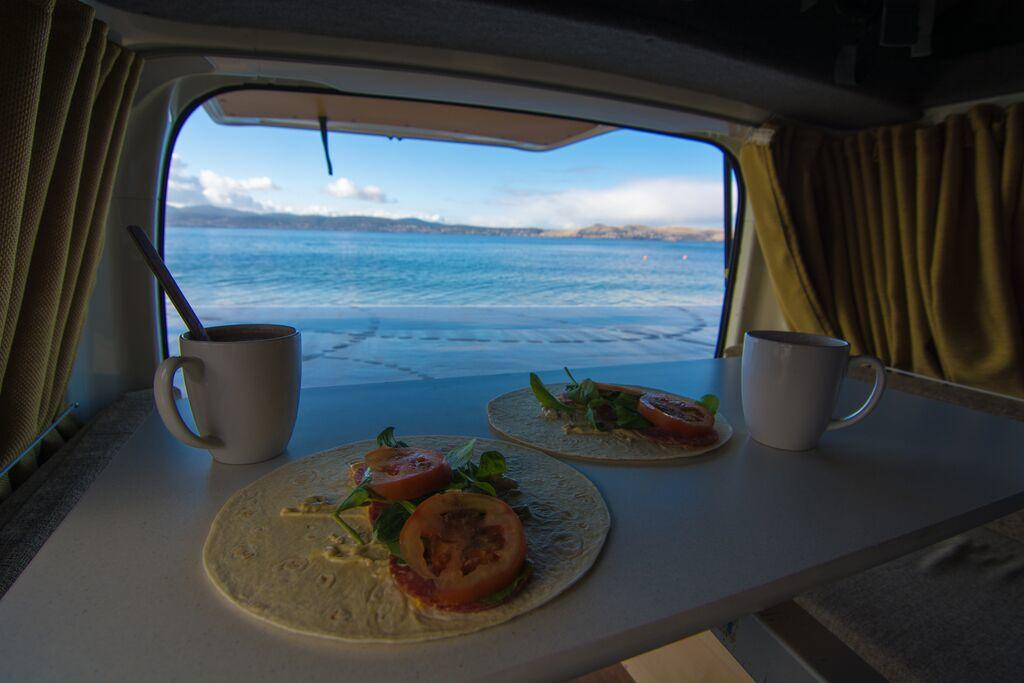 5 Easy And Affordable Meals For Your Camper Adventure - Cruisin Motorhome Rentals Australia